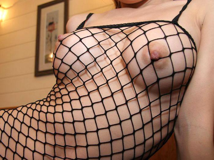 【おっぱい】擦れた乳首が勃起してまんすじに喰い込みまくる全身網タイツのおっぱいフェチ画像が激エロ過ぎる件w【80枚】 39