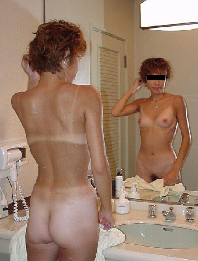 【おっぱい】こんがり焼きたての日焼け褐色ボディの美乳が堪らない!メラニン色素頑張り過ぎの日焼け美女のおっぱい画像集【80枚】 57