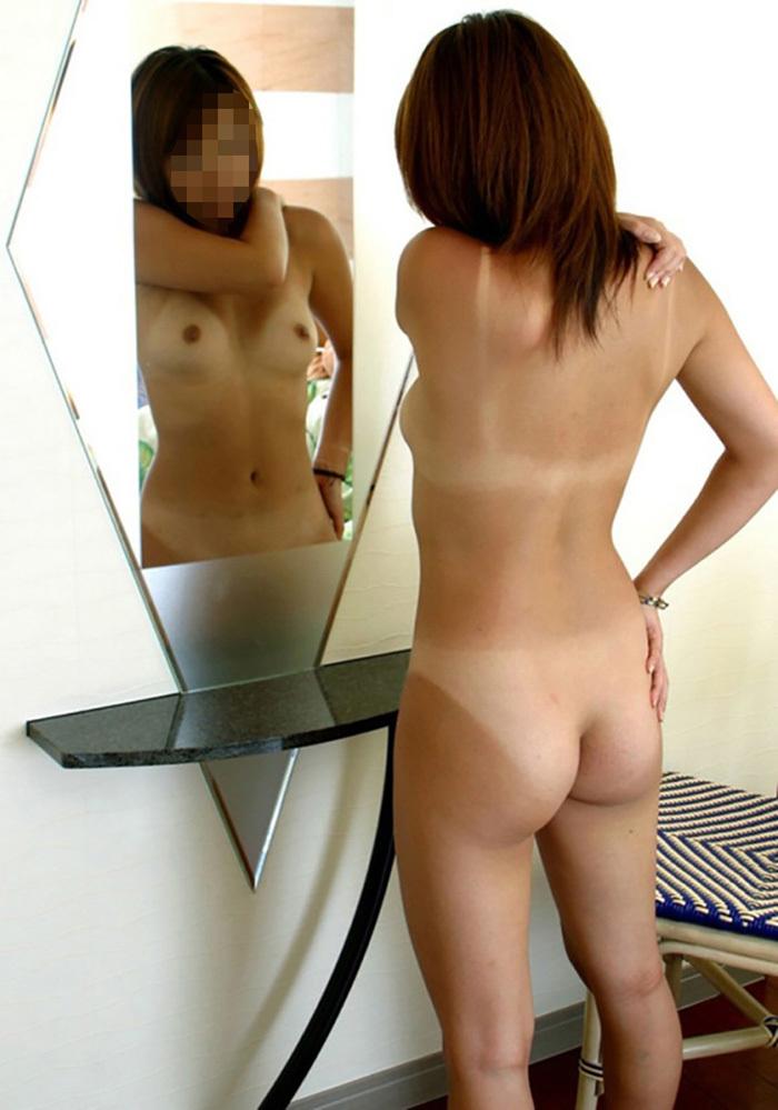 【おっぱい】こんがり焼きたての日焼け褐色ボディの美乳が堪らない!メラニン色素頑張り過ぎの日焼け美女のおっぱい画像集【80枚】 61