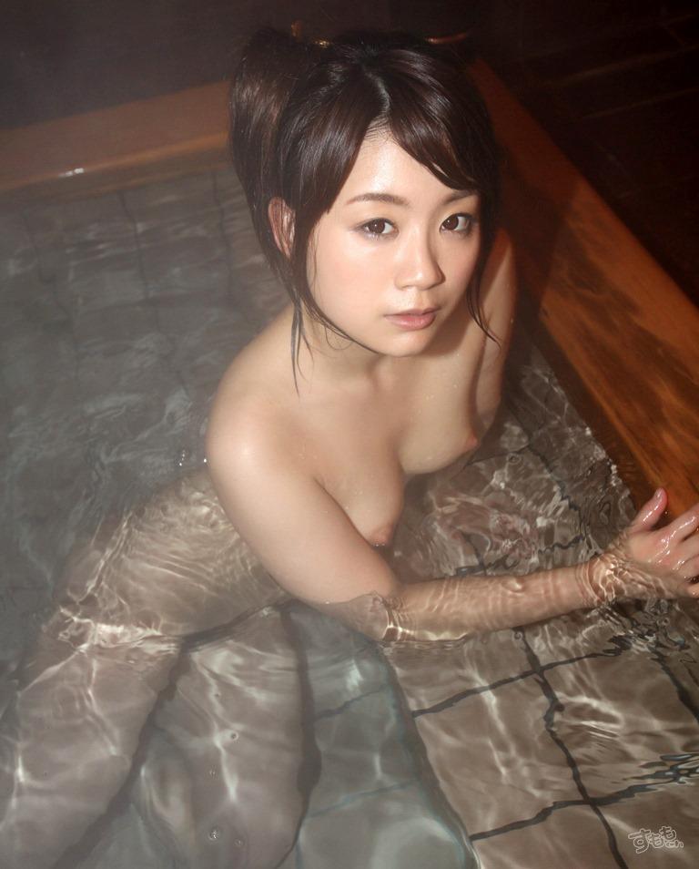 【おっぱい】露天風呂とおっぱいという組み合わせがあんぱんと牛乳ぐらい鉄板でエロいと知らしめてくれるお湯に濡れた美巨乳エロ画像集w【80枚】 05