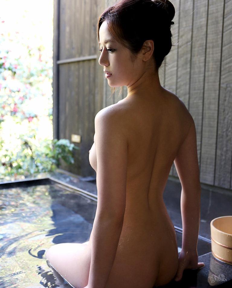【おっぱい】露天風呂とおっぱいという組み合わせがあんぱんと牛乳ぐらい鉄板でエロいと知らしめてくれるお湯に濡れた美巨乳エロ画像集w【80枚】 57