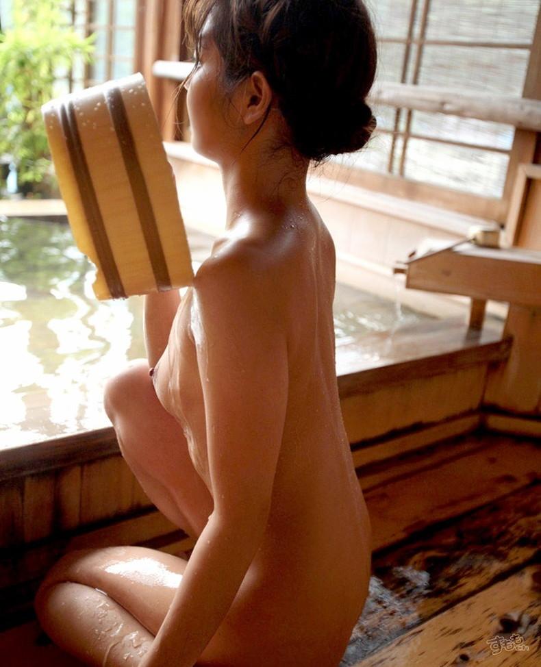 【おっぱい】露天風呂とおっぱいという組み合わせがあんぱんと牛乳ぐらい鉄板でエロいと知らしめてくれるお湯に濡れた美巨乳エロ画像集w【80枚】 58