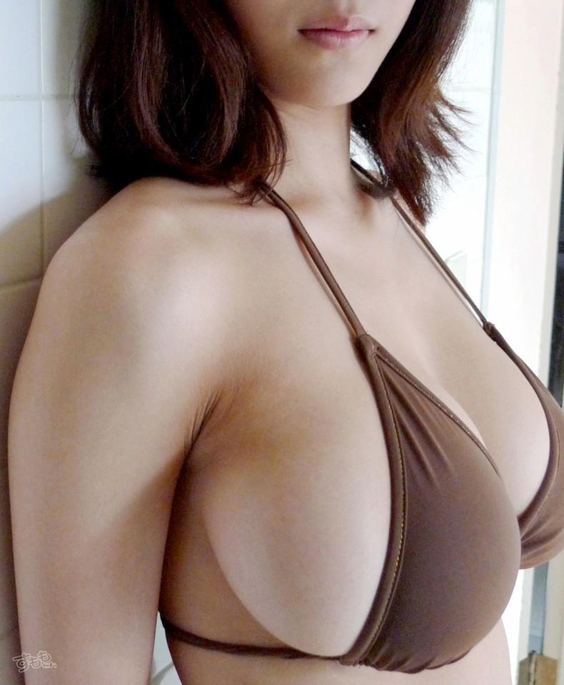 【おっぱい】乳首が見えても見えてなくても横乳が出てたら勝った気分になれるおっぱい画像集【80枚】 03
