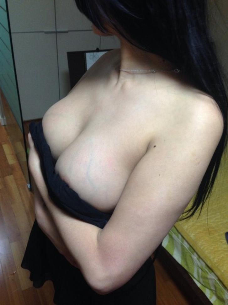 【おっぱい】まさに今から不倫セックスします!っていう素人の人妻のおっぱいが乳首ピンコ勃起で準備万端でエロ過ぎる画像集w【80枚】 16