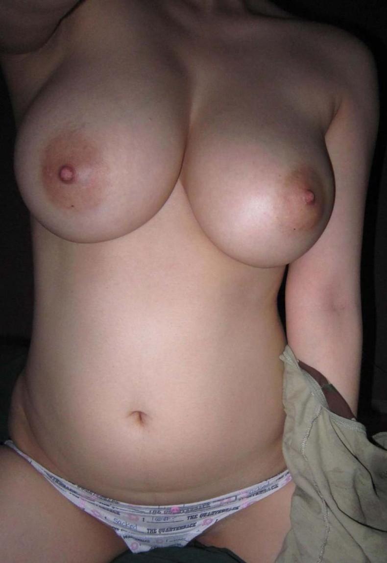 【おっぱい】まさに今から不倫セックスします!っていう素人の人妻のおっぱいが乳首ピンコ勃起で準備万端でエロ過ぎる画像集w【80枚】 61