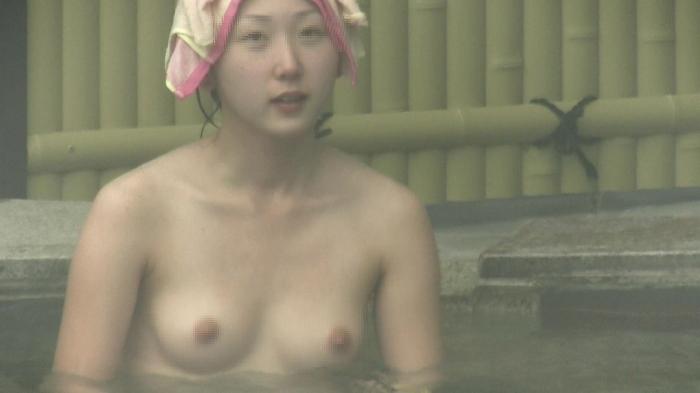 【おっぱい】女将さーんこの温泉ユルすぎますよ!素人のロリな美少女やJKやOLを露天風呂で盗撮しちっぱいや名作レベルの巨乳盗撮したエロ画像集w【80枚】 41