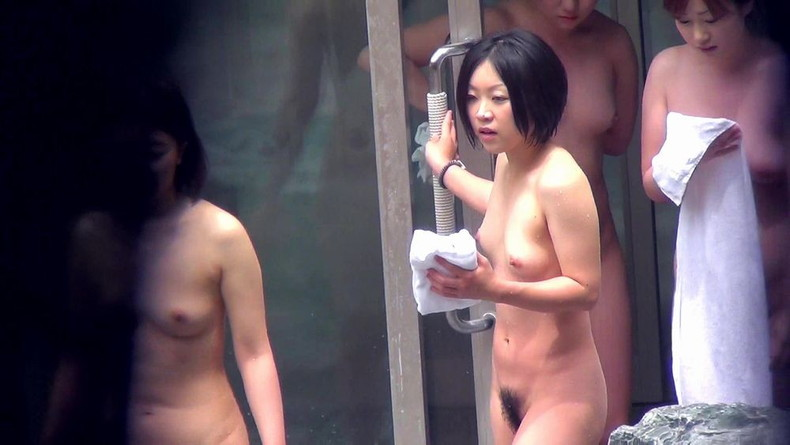 【おっぱい】女将さーんこの温泉ユルすぎますよ!素人のロリな美少女やJKやOLを露天風呂で盗撮しちっぱいや名作レベルの巨乳盗撮したエロ画像集w【80枚】 48