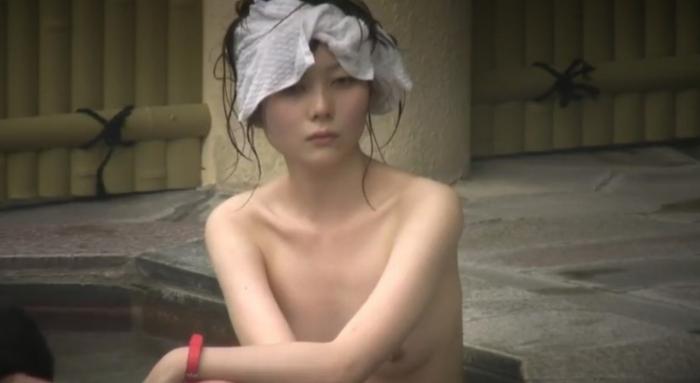 【おっぱい】女将さーんこの温泉ユルすぎますよ!素人のロリな美少女やJKやOLを露天風呂で盗撮しちっぱいや名作レベルの巨乳盗撮したエロ画像集w【80枚】 54