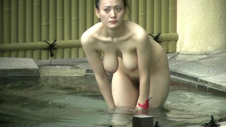 【おっぱい】女将さーんこの温泉ユルすぎますよ!素人のロリな美少女やJKやOLを露天風呂で盗撮しちっぱいや名作レベルの巨乳盗撮したエロ画像集w【80枚】 58
