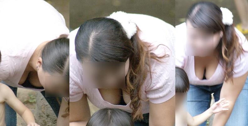 【おっぱい】子供に目がいって自らの巨乳を気にしない、屋外で胸チラさせてる子持ちの素人人妻のおっぱい盗撮画像集w【80枚】 28