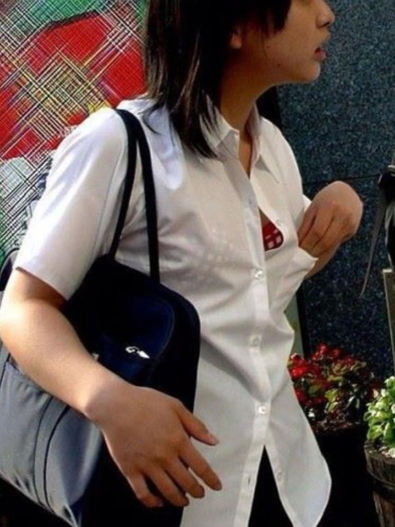 【おっぱい】素人JKの美乳や発育の良い巨乳が着替え盗撮や自撮りで晒されちゃった女子校生おっぱい画像集【80枚】 46
