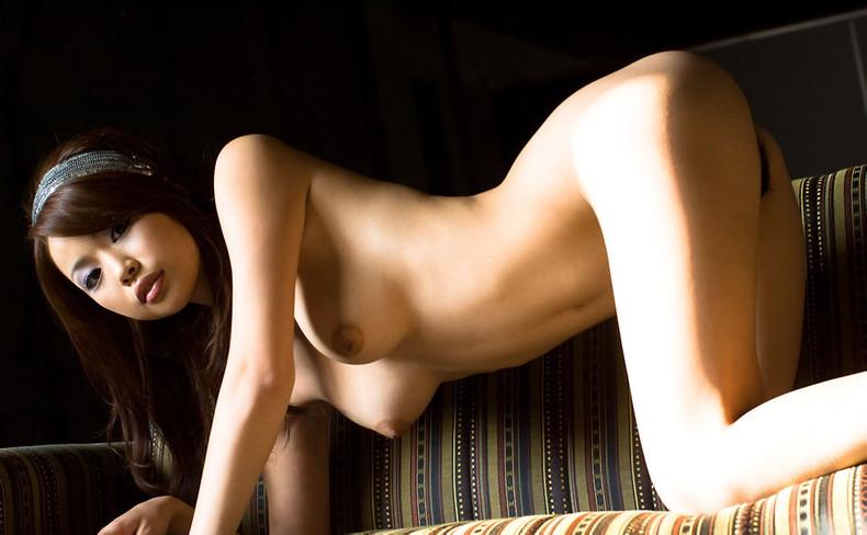 【おっぱい】四つん這いでおっぱい垂らしてる美女の美乳や巨乳を思い切り揉みたくなる垂れ乳画像集w【80枚】 49