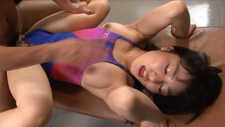 【おっぱい】水着を脱がさずずらしておっぱい露出させた状態でチンコ挿入してるセックス画像集ww【80枚】 06