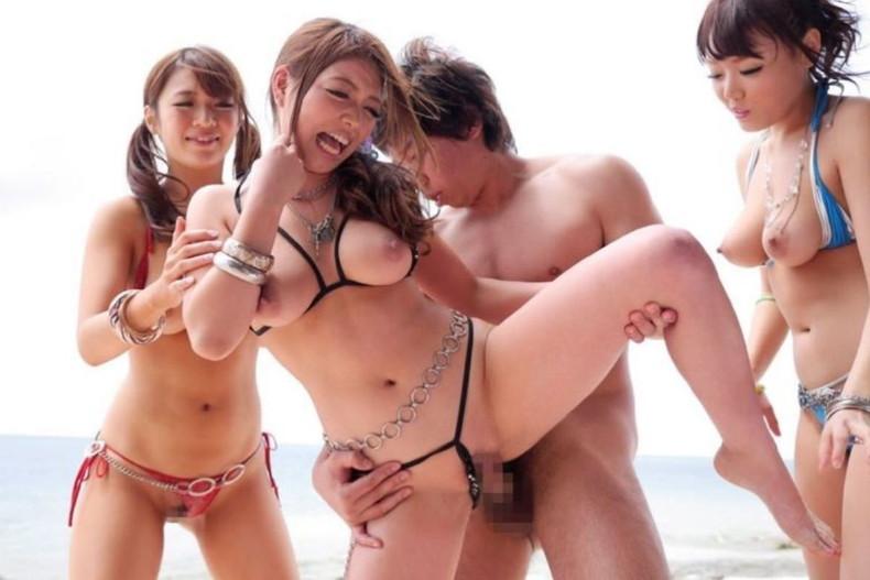 【おっぱい】水着を脱がさずずらしておっぱい露出させた状態でチンコ挿入してるセックス画像集ww【80枚】 08