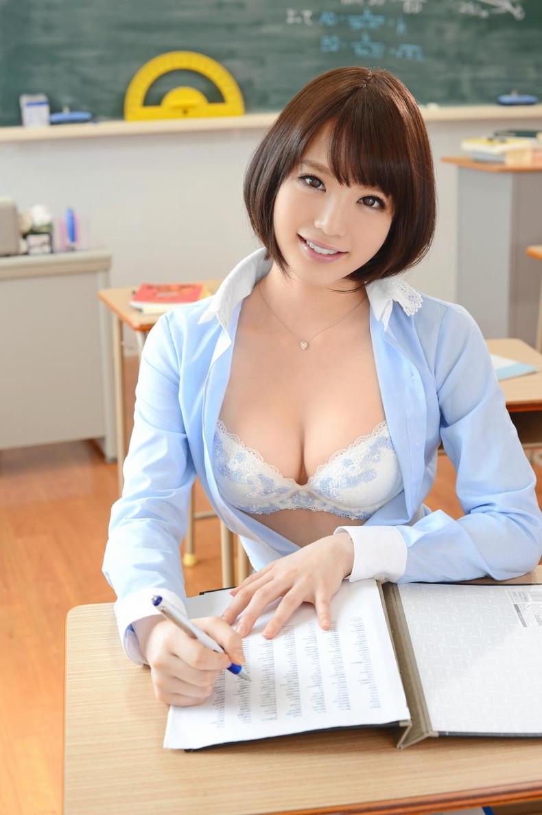 【おっぱい】放課後ボクにだけこっそり見せてほしい美人女教師のおっぱいエロ画像集w【80枚】 01