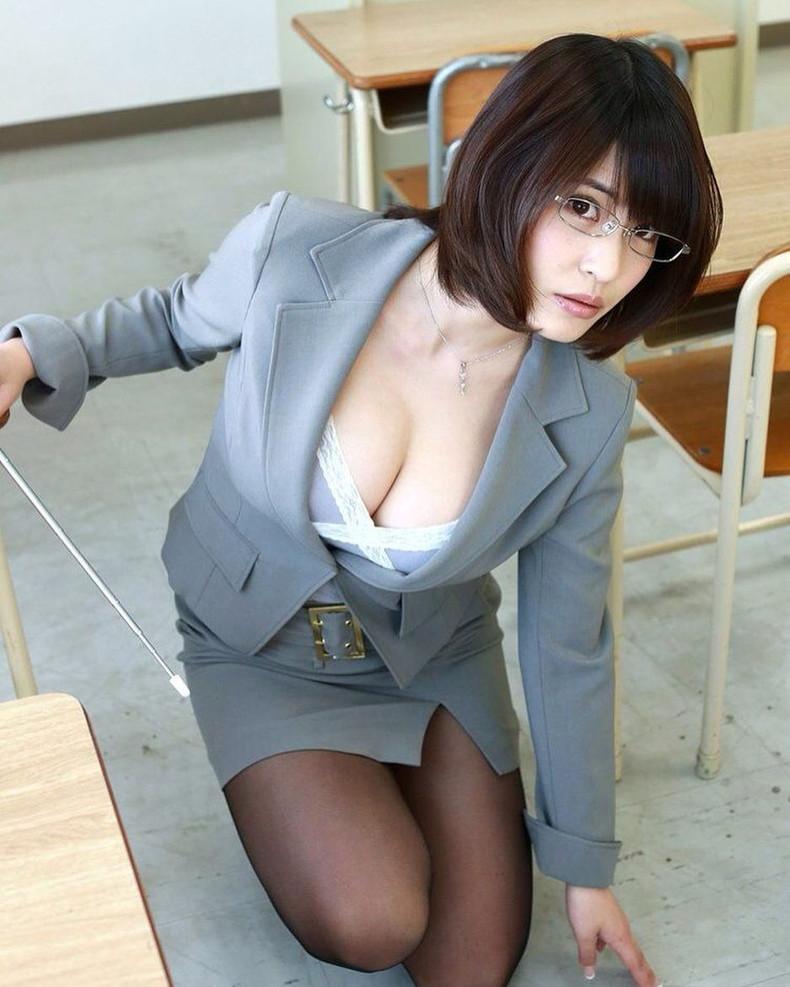 【おっぱい】放課後ボクにだけこっそり見せてほしい美人女教師のおっぱいエロ画像集w【80枚】 12