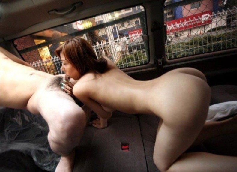 【おっぱい】おっぱい丸出しでスリリングなカーセックスしてる素人娘の画像がエロ過ぎる件ww【80枚】 05