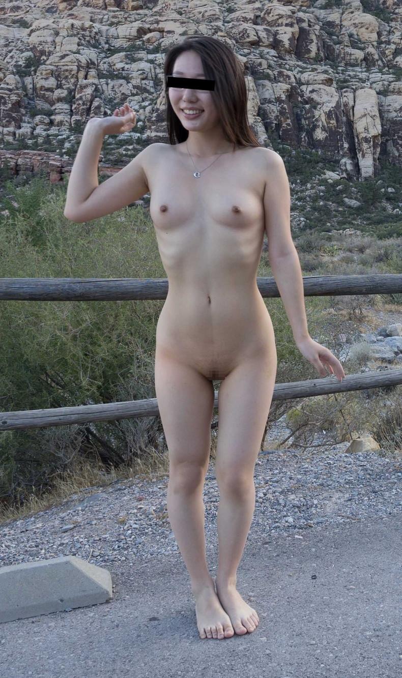 【おっぱい】森の中や大草原など田舎でおっぱい露出したマイナスイオンたっぷりな女の子たちのエロ画像集【80枚】 32