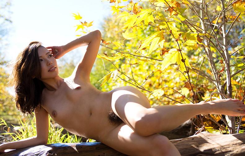 【おっぱい】森の中や大草原など田舎でおっぱい露出したマイナスイオンたっぷりな女の子たちのエロ画像集【80枚】 45