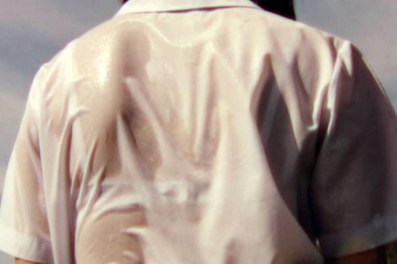【おっぱい】突然の雨や汗で制服ブラウスが濡れ透け状態になってる素人JK達のおっぱい盗撮画像がが初々しくてエロくて・・【80枚】 17