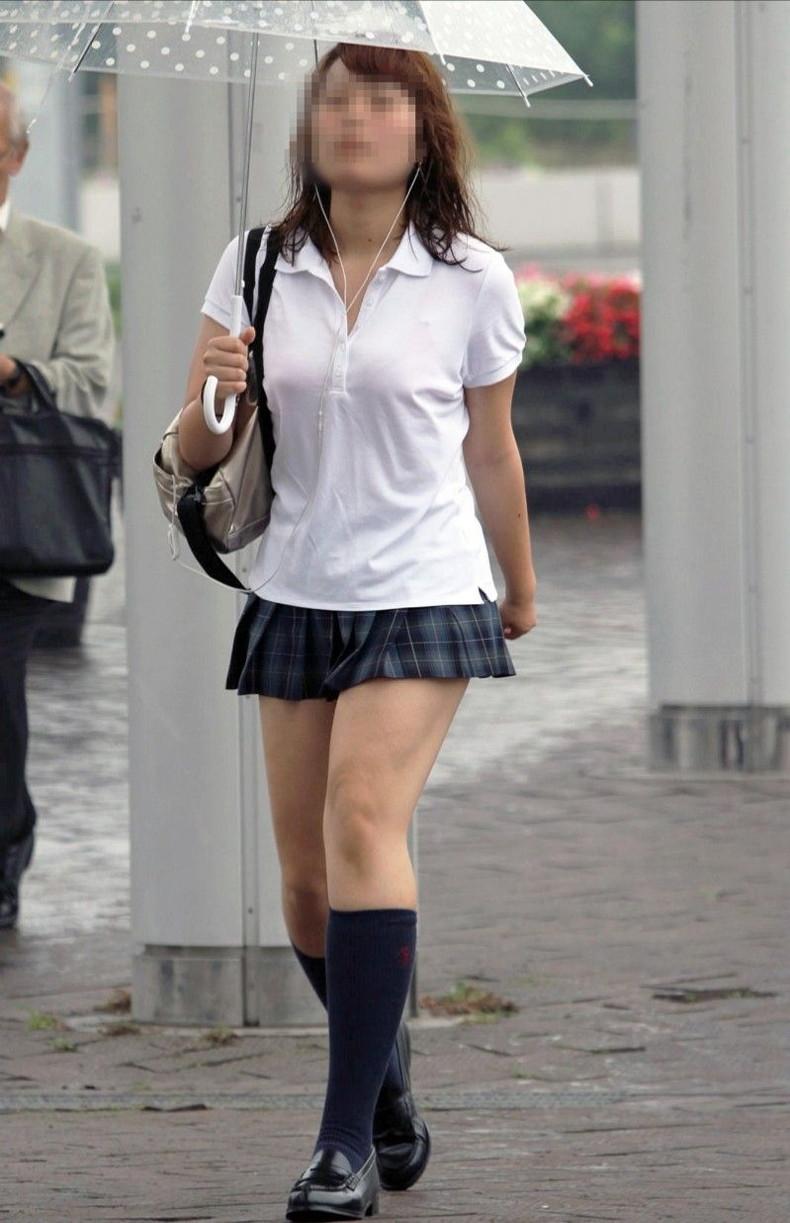 【おっぱい】突然の雨や汗で制服ブラウスが濡れ透け状態になってる素人JK達のおっぱい盗撮画像がが初々しくてエロくて・・【80枚】 37