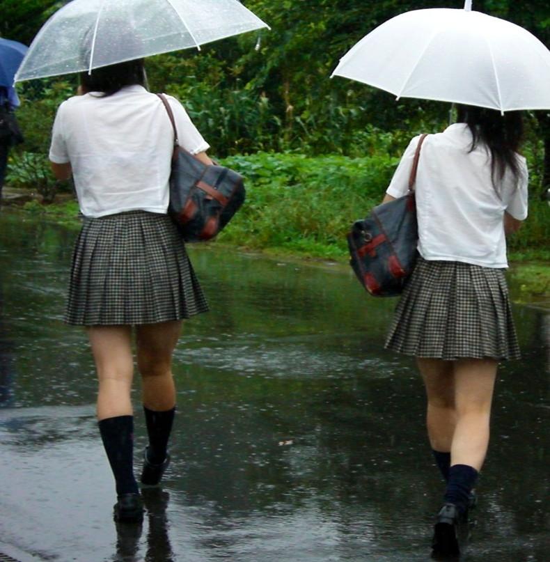 【おっぱい】突然の雨や汗で制服ブラウスが濡れ透け状態になってる素人JK達のおっぱい盗撮画像がが初々しくてエロくて・・【80枚】 45