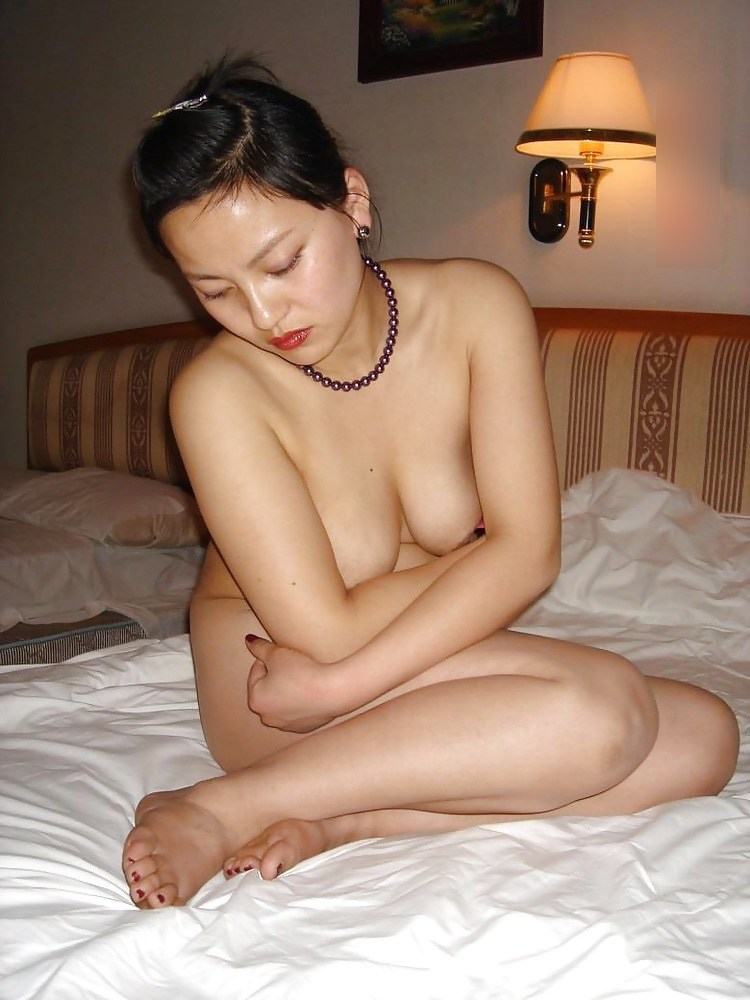 【おっぱい】フィリピン人のヌードモデルや風俗嬢が想像以上に美巨乳だったのでエロ画像集めてみましたww【80枚】 78