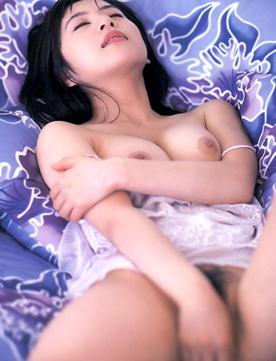 【おっぱい】昭和のバブル感を彷彿させる巨乳美女たちの一周回ってエロすぎるおっぱい画像集ww【80枚】 10