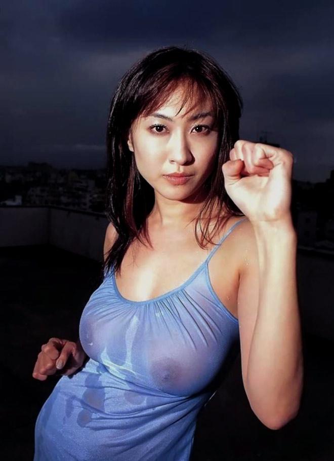 【おっぱい】昭和のバブル感を彷彿させる巨乳美女たちの一周回ってエロすぎるおっぱい画像集ww【80枚】 28