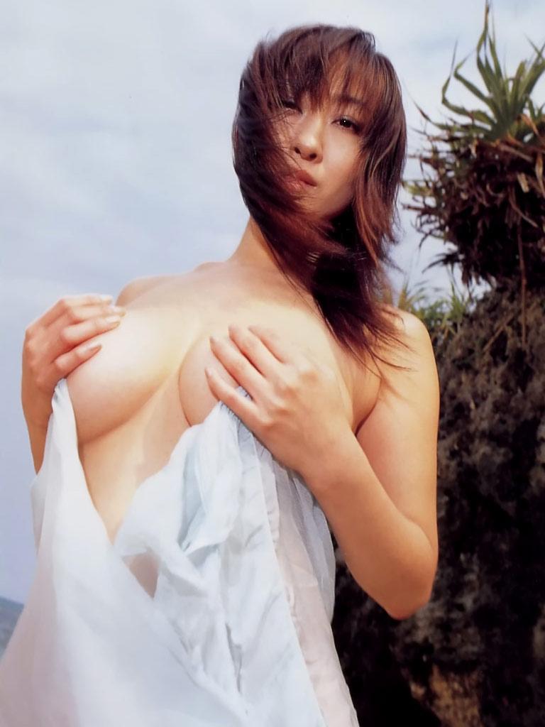 【おっぱい】昭和のバブル感を彷彿させる巨乳美女たちの一周回ってエロすぎるおっぱい画像集ww【80枚】 34