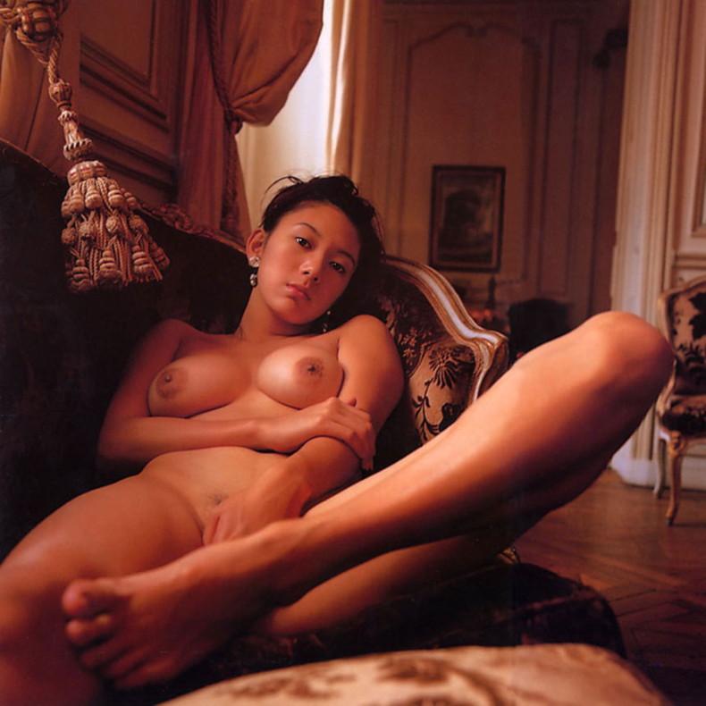 【おっぱい】昭和のバブル感を彷彿させる巨乳美女たちの一周回ってエロすぎるおっぱい画像集ww【80枚】 40
