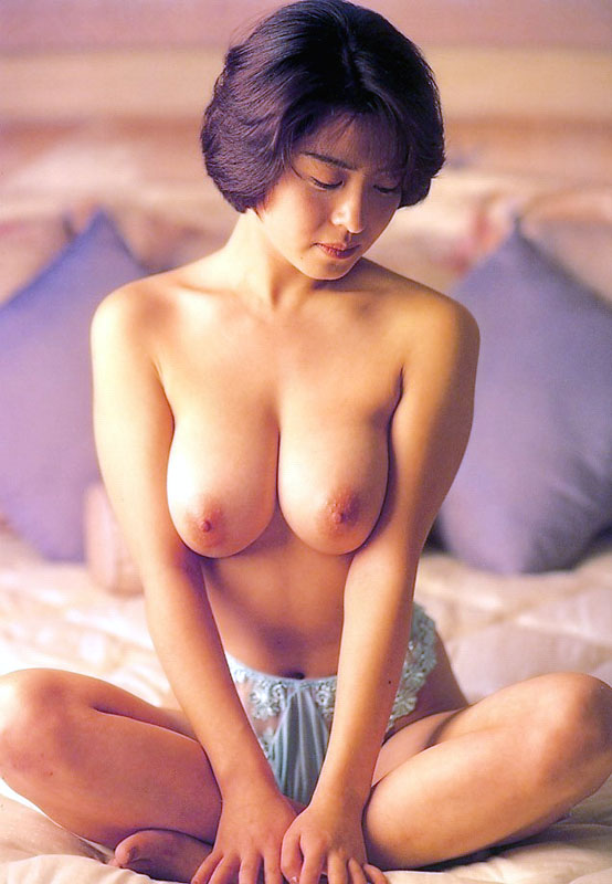 【おっぱい】昭和のバブル感を彷彿させる巨乳美女たちの一周回ってエロすぎるおっぱい画像集ww【80枚】 42