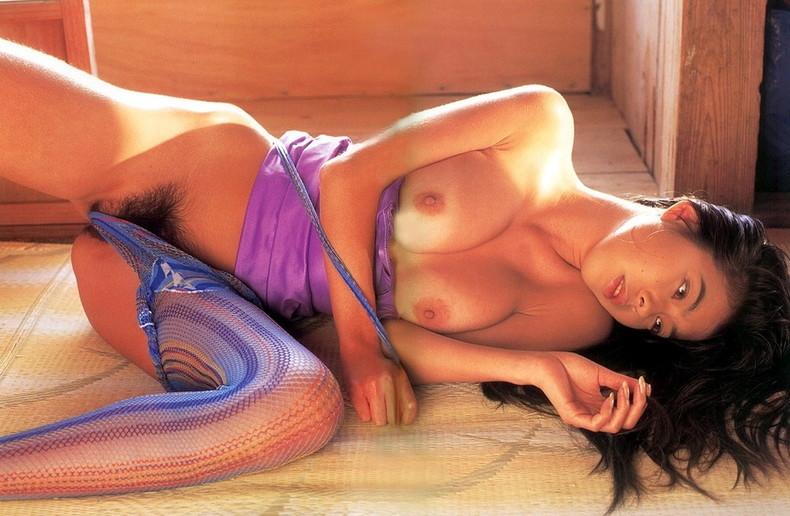 【おっぱい】昭和のバブル感を彷彿させる巨乳美女たちの一周回ってエロすぎるおっぱい画像集ww【80枚】 45