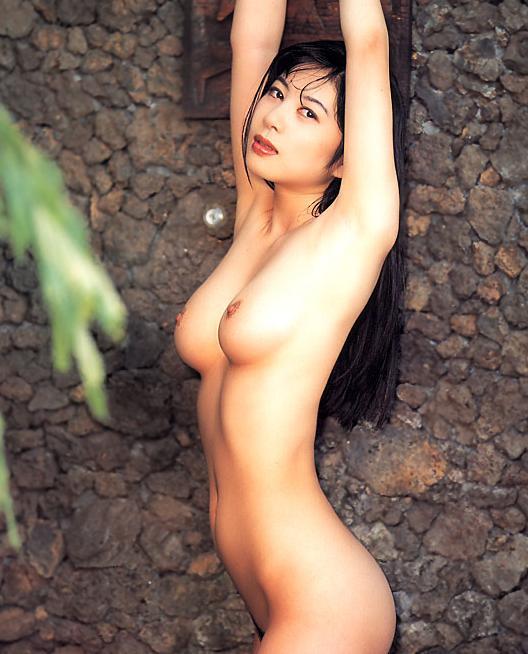 【おっぱい】昭和のバブル感を彷彿させる巨乳美女たちの一周回ってエロすぎるおっぱい画像集ww【80枚】 54