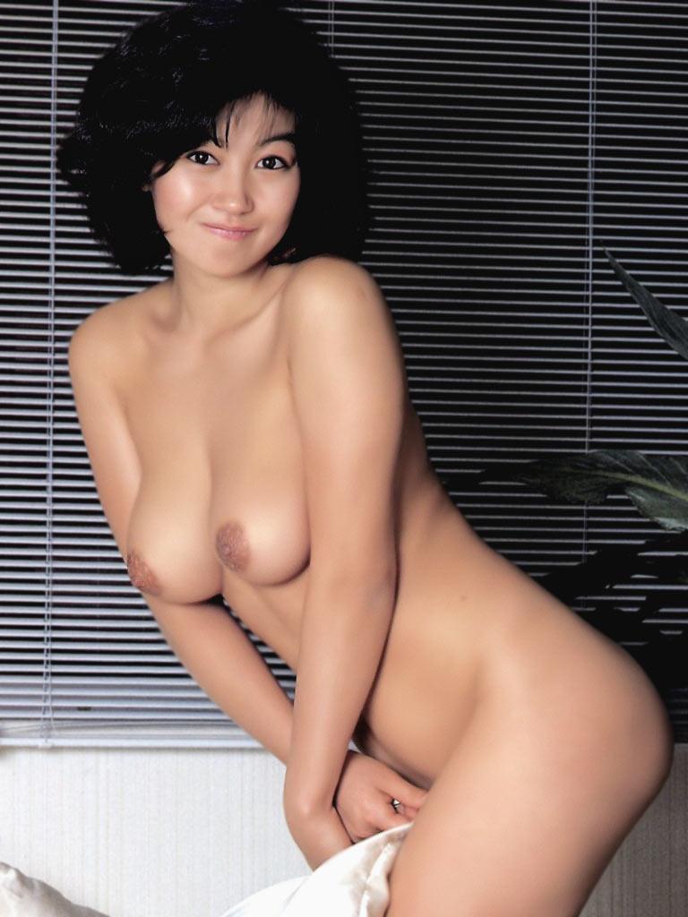 【おっぱい】昭和のバブル感を彷彿させる巨乳美女たちの一周回ってエロすぎるおっぱい画像集ww【80枚】 56
