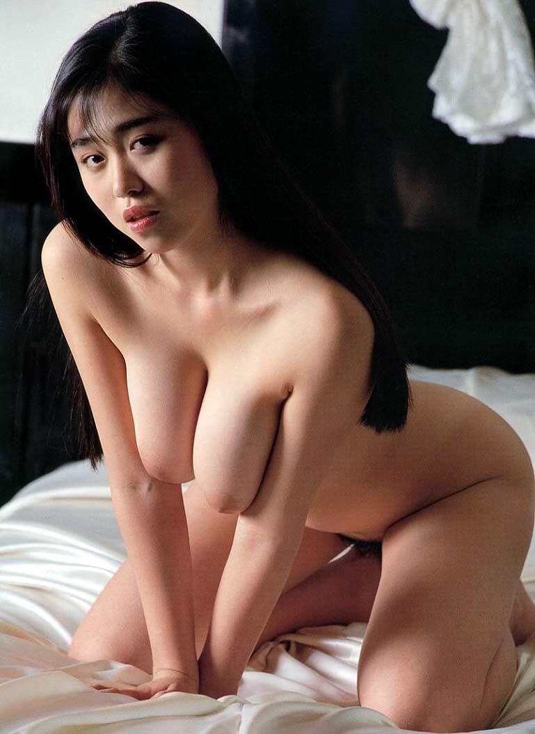 【おっぱい】昭和のバブル感を彷彿させる巨乳美女たちの一周回ってエロすぎるおっぱい画像集ww【80枚】 63
