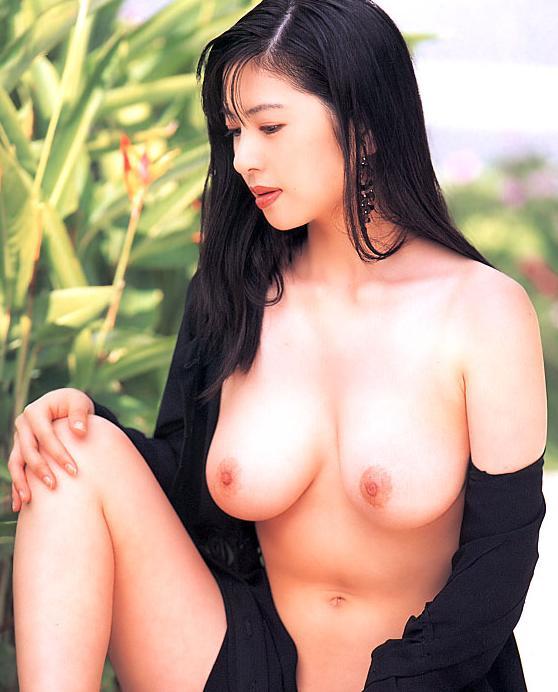 【おっぱい】昭和のバブル感を彷彿させる巨乳美女たちの一周回ってエロすぎるおっぱい画像集ww【80枚】 65
