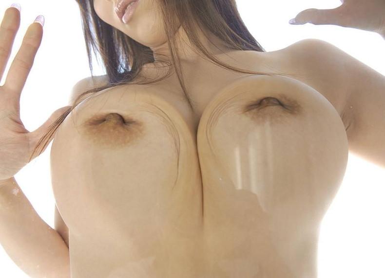 【おっぱい】窓ガラスや鏡に美巨乳はりつけてへこんだり乳首が曲がったり埋もれたりしてるガラス越しおっぱい画像集w【80枚】 68