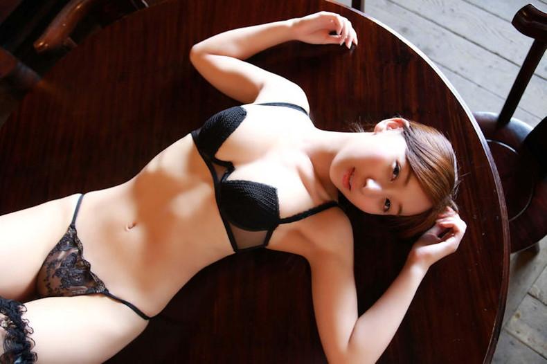 【おっぱい】黒ランジェリーを着た美巨乳な大人の女にパイズリされてみたい!黒ランジェリーのおっぱい画像集!ww【80枚】 08