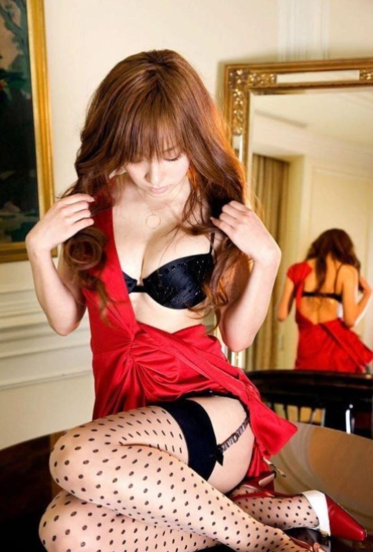 【おっぱい】黒ランジェリーを着た美巨乳な大人の女にパイズリされてみたい!黒ランジェリーのおっぱい画像集!ww【80枚】 35