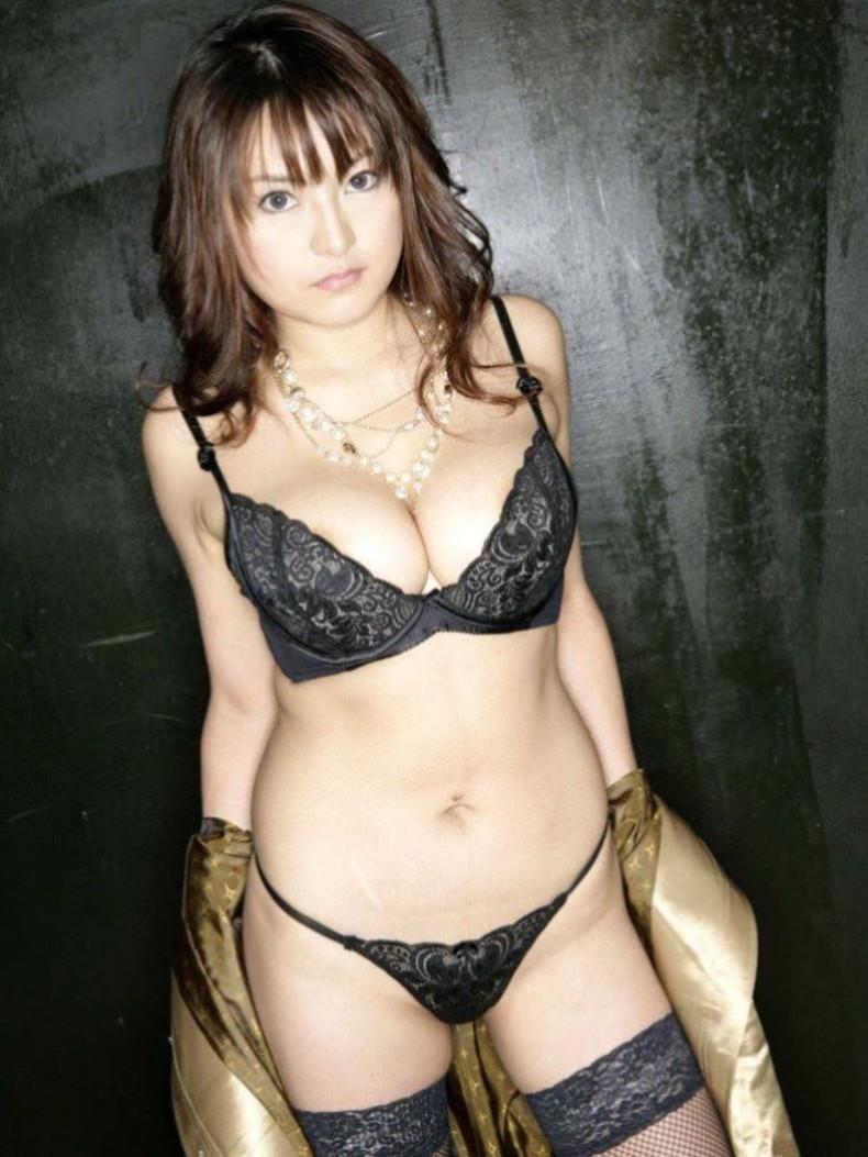 【おっぱい】黒ランジェリーを着た美巨乳な大人の女にパイズリされてみたい!黒ランジェリーのおっぱい画像集!ww【80枚】 51