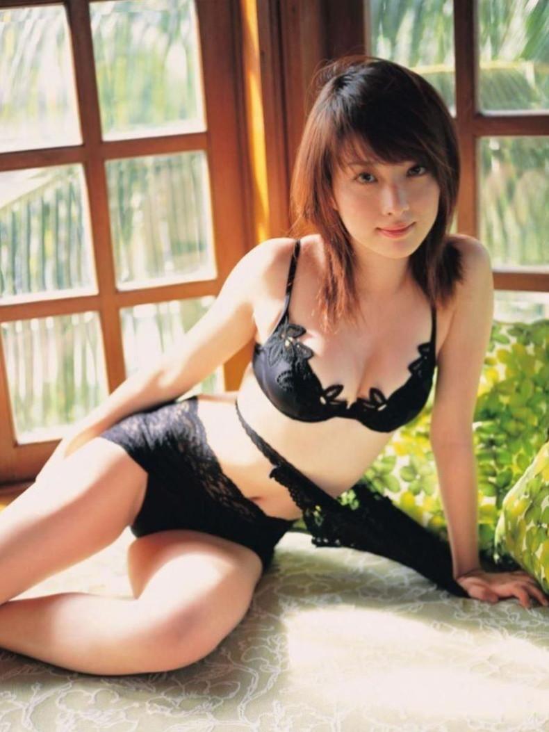 【おっぱい】黒ランジェリーを着た美巨乳な大人の女にパイズリされてみたい!黒ランジェリーのおっぱい画像集!ww【80枚】 61