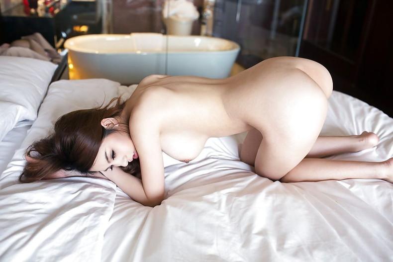 【おっぱい】日本人に負けない美少女韓国人や中国人たちが日本人とは微妙に違う美乳を露出して誘惑してくれてるアジアンおっぱい画像集ww【80枚】 24