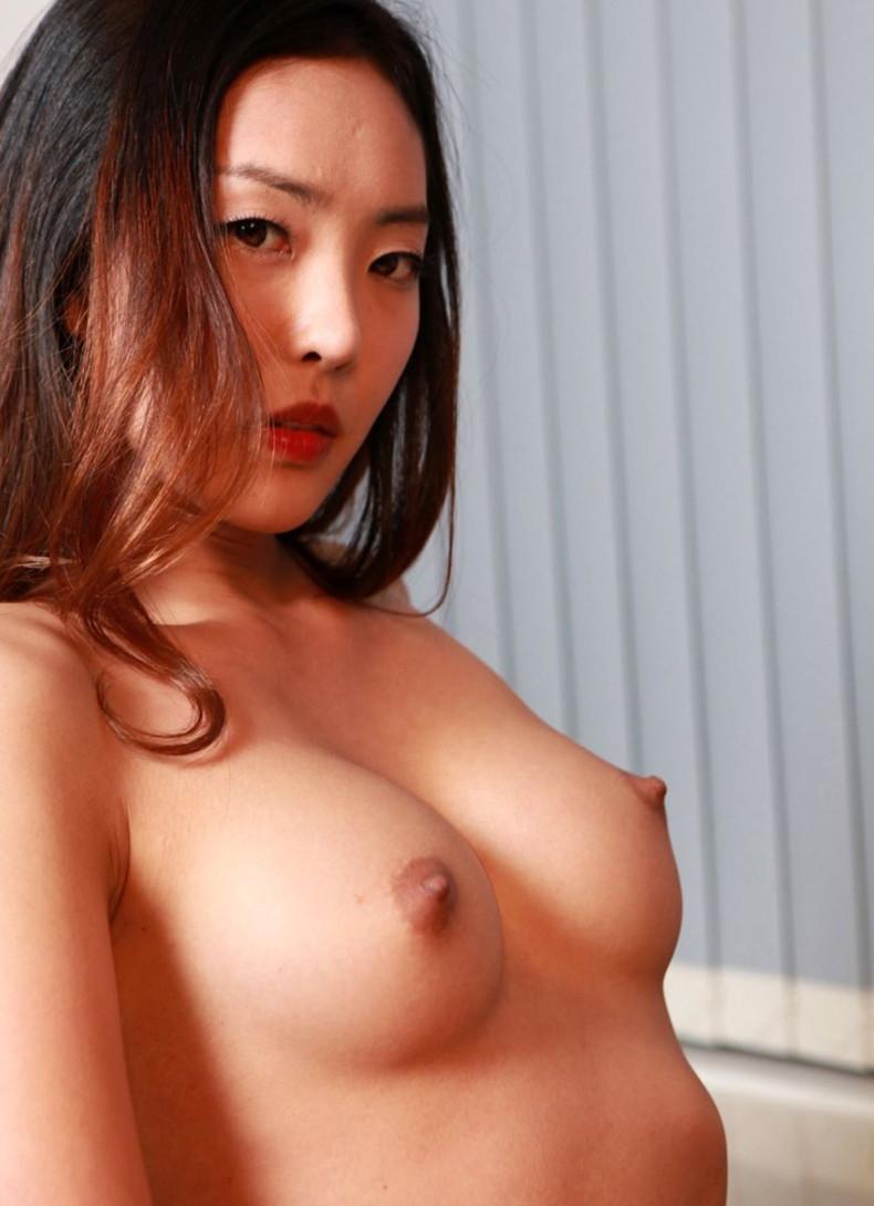 【おっぱい】日本人に負けない美少女韓国人や中国人たちが日本人とは微妙に違う美乳を露出して誘惑してくれてるアジアンおっぱい画像集ww【80枚】 27
