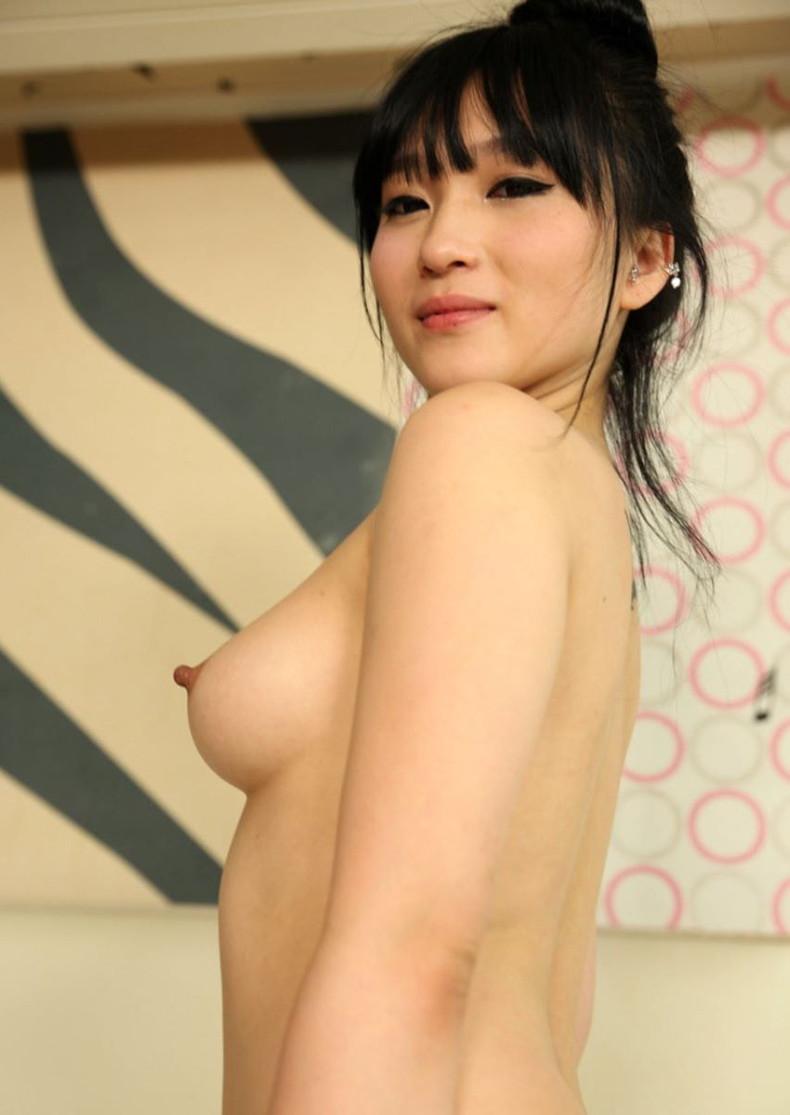 【おっぱい】日本人に負けない美少女韓国人や中国人たちが日本人とは微妙に違う美乳を露出して誘惑してくれてるアジアンおっぱい画像集ww【80枚】 74