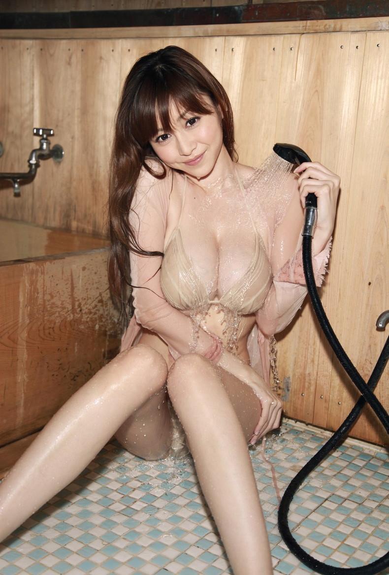 【おっぱい】びしょ濡れになるとほぼ全裸状態!肌色水着・湯葉水着のおっぱい画像集ww【80枚】 10