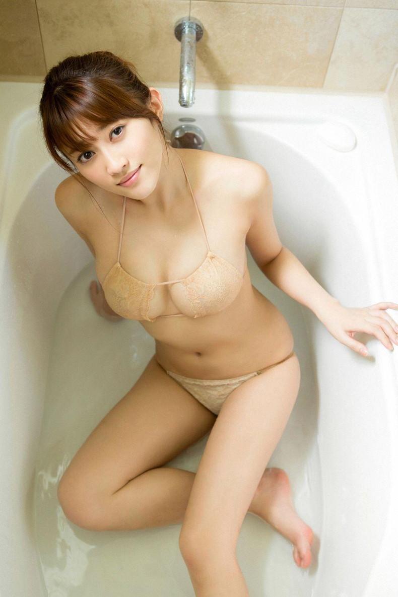 【おっぱい】びしょ濡れになるとほぼ全裸状態!肌色水着・湯葉水着のおっぱい画像集ww【80枚】 14