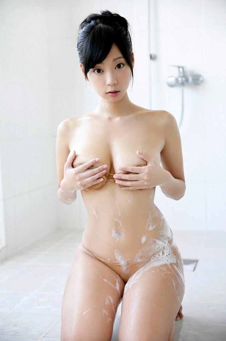 【おっぱい】びしょ濡れになるとほぼ全裸状態!肌色水着・湯葉水着のおっぱい画像集ww【80枚】 39
