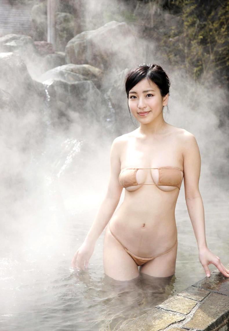 【おっぱい】びしょ濡れになるとほぼ全裸状態!肌色水着・湯葉水着のおっぱい画像集ww【80枚】 42