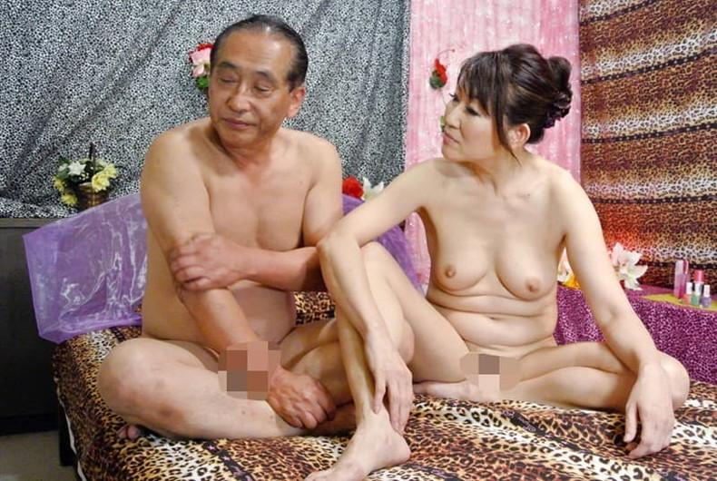 【おっぱい】元ヤンだったギャルやヤンママ若妻たちが経験豊富そうな美乳を揺らしてセックスしまくる元ヤンのおっぱい画像集w【80枚】 17